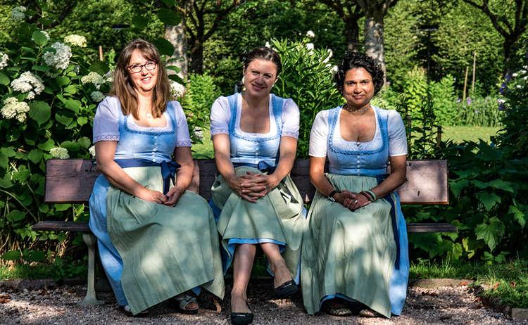 Die Gästeberaterinnen  der Tourist-Infor im AlpenCongress Berchtesgaden