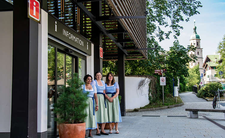 Die Gästeberaterinnen  der Tourist-Information im AlpenCongress Berchtesgaden